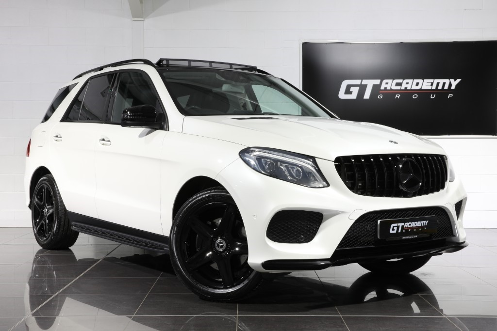 used Mercedes GLE350 D 4MATIC AMG LINE PREMIUM PLUS - 1 OWNER - PAN ROOF - MERC FSH in tring-hertfordshire