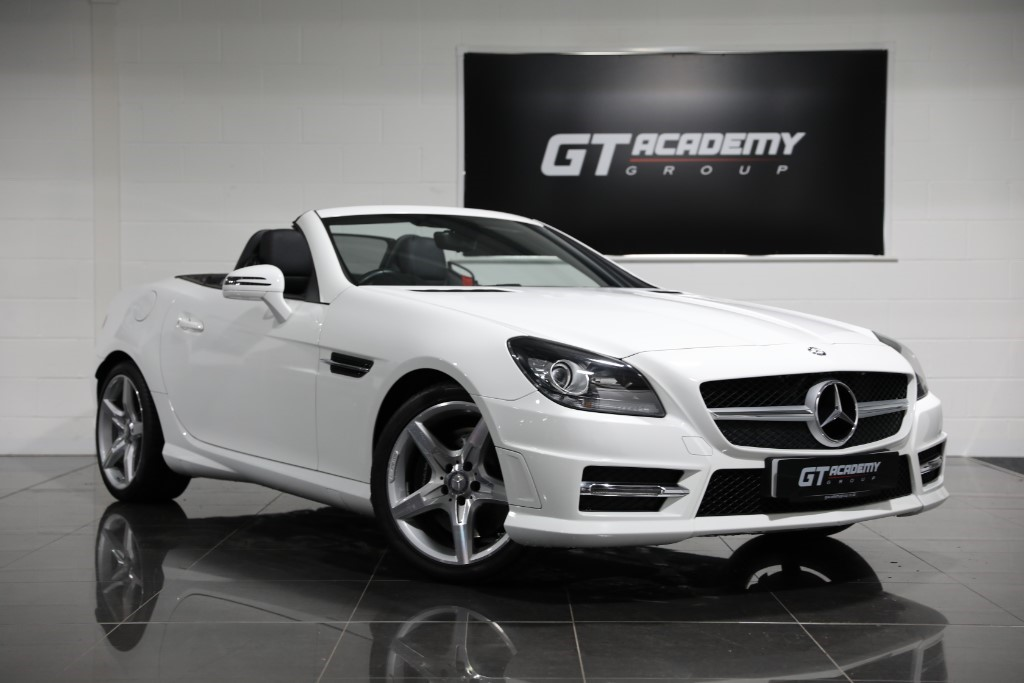 used Mercedes  SLK200 BLUEEFFICIENCY AMG SPORT AA INSPECTED - LOW MILEAGE in tring-hertfordshire