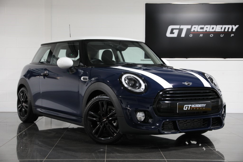 used MINI Cooper ** 5.9% APR FINANCE OFFER ** HIGH SPEC in tring-hertfordshire
