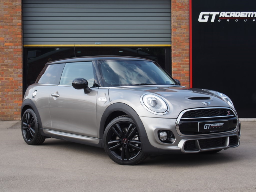 used MINI Cooper S AA INSPECTED - CHILI PACK - MEDIA XL in tring-hertfordshire