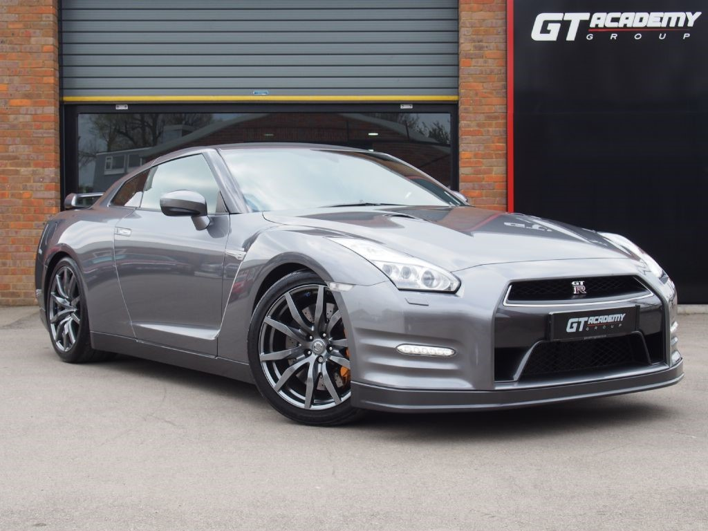 used Nissan GT-R V6 550 PREMIUM 2 OWNERS - FULL NISSAN HISTORY in tring-hertfordshire