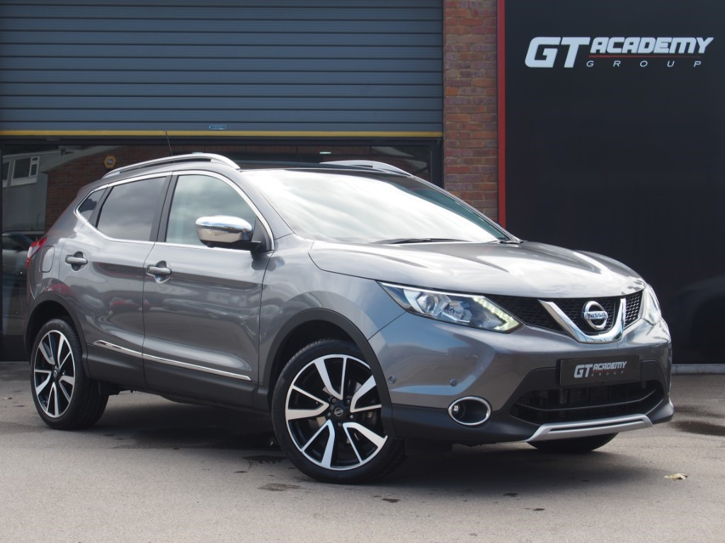 used Nissan Qashqai 1.6DCI TEKNA AA INSPECTED - 1 OWNER - NISSAN FSH in tring-hertfordshire