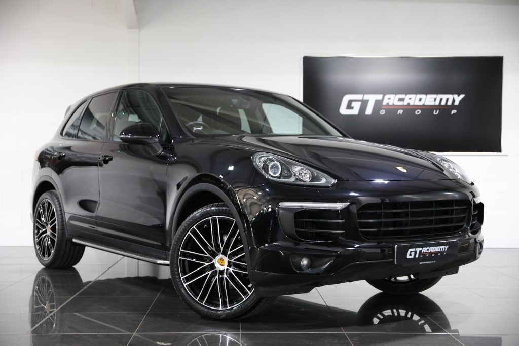 used Porsche Cayenne 3.0D V6 TIPTRONIC S ** 5.9% APR FINANCE OFFER ** in tring-hertfordshire