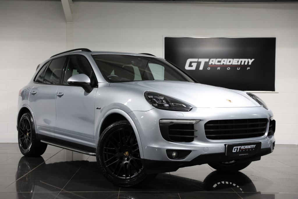used Porsche Cayenne D V6 PLATINUM EDITION TIPTRONIC S ** 5.9% APR FINANCE OFFER ** in tring-hertfordshire
