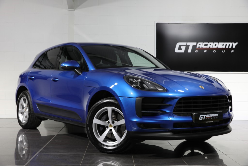 used Porsche Macan 2.0T PDK - 1 OWNER - AMAZING VALUE in tring-hertfordshire