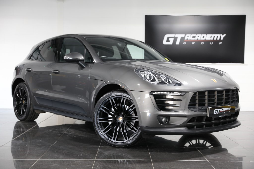 used Porsche Macan 3.0D S PDK PORSCHE FSH - PAN ROOF - PASM in tring-hertfordshire