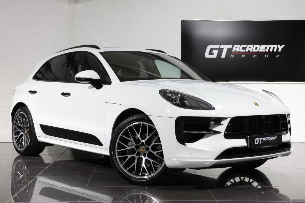 used Porsche Macan 3.0 S PDK - 1 OWNER - VERY HIGH SPEC in tring-hertfordshire
