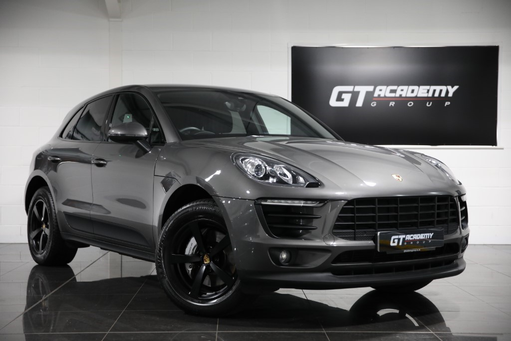 used Porsche Macan 3.0D S PDK ** 5.9% APR FINANCE OFFER ** in tring-hertfordshire