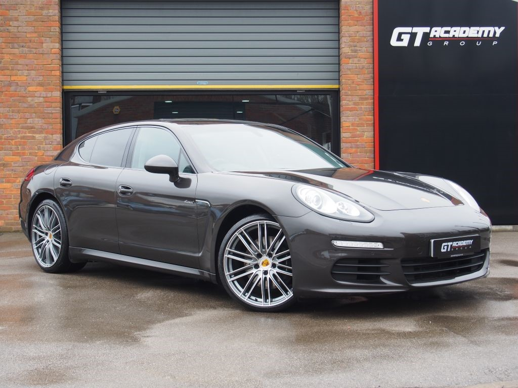 used Porsche Panamera 3.0D V6 TIPTRONIC AA INSPECTED - 1 OWNER - PORSCHE FSH in tring-hertfordshire