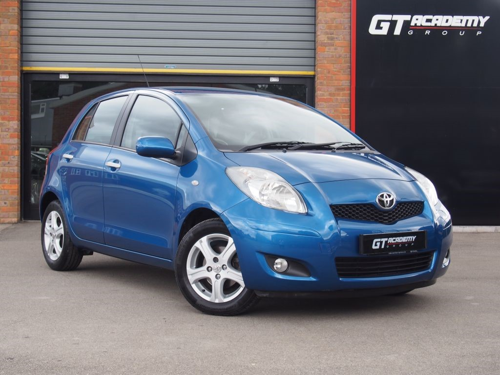 used Toyota Yaris TR VVT-I AA INSPECTED . 2 OWNERS . 7.9% APR in tring-hertfordshire