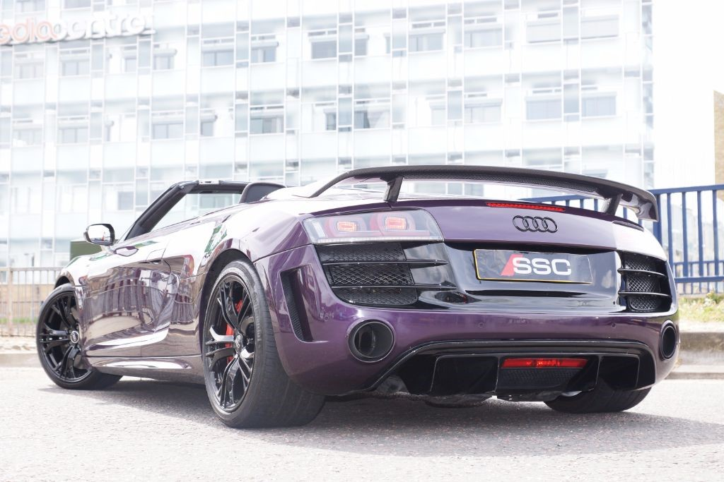 audi r8 in huddersfield west yorkshire compucars. Black Bedroom Furniture Sets. Home Design Ideas