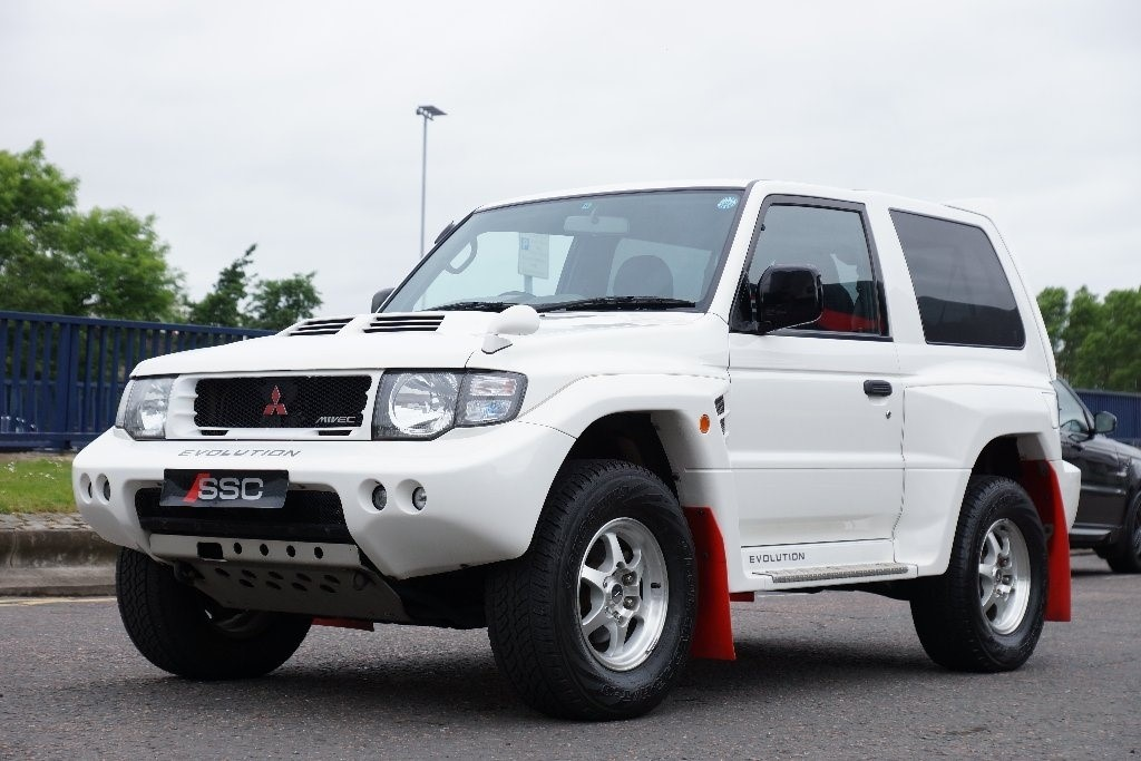 used white mitsubishi pajero for sale west yorkshire. Black Bedroom Furniture Sets. Home Design Ideas