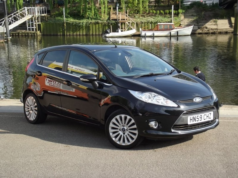 used Ford Fiesta TITANIUM in twickenham-middlesex-london