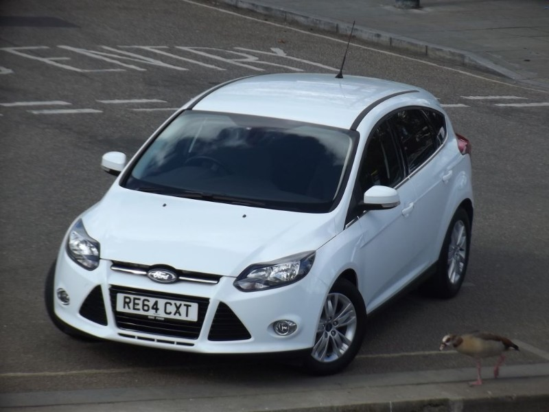used Ford Focus TITANIUM NAVIGATOR in twickenham-middlesex-london