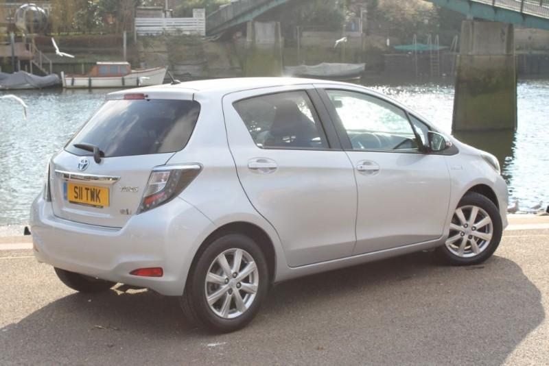 used Toyota Yaris T4 HYBRID in twickenham-middlesex-london