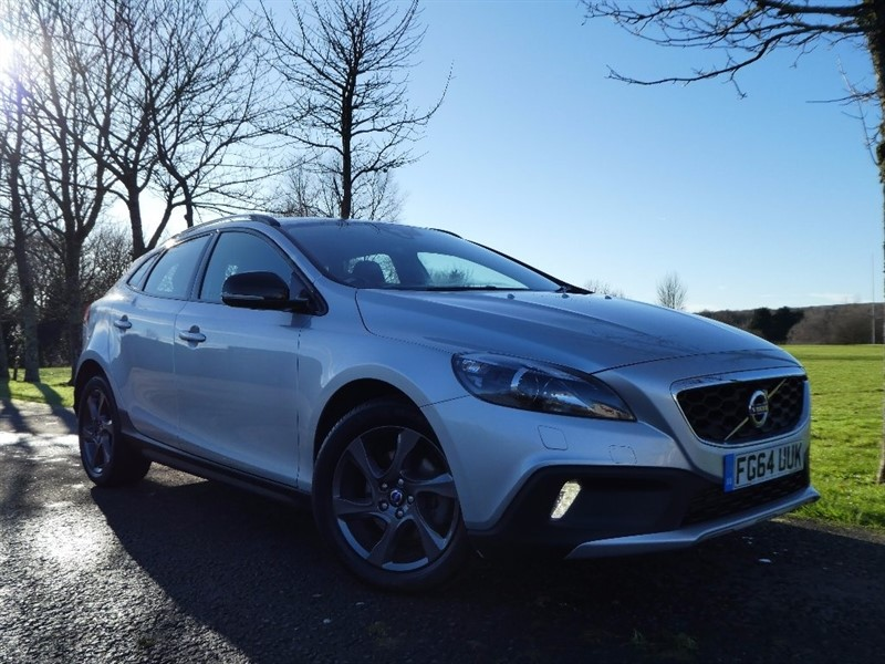 used Volvo V40 Cross Country TD D2 Lux 5dr (start/stop) in ebbw-vale