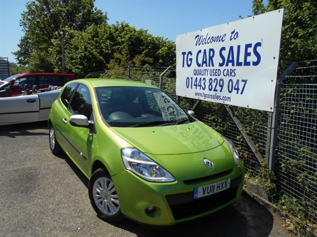 used Renault Clio I-Music 16V in blackwood-gwent