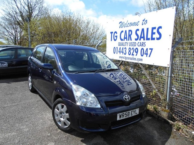 used Toyota Corolla Verso T2 VVT-I in blackwood-gwent
