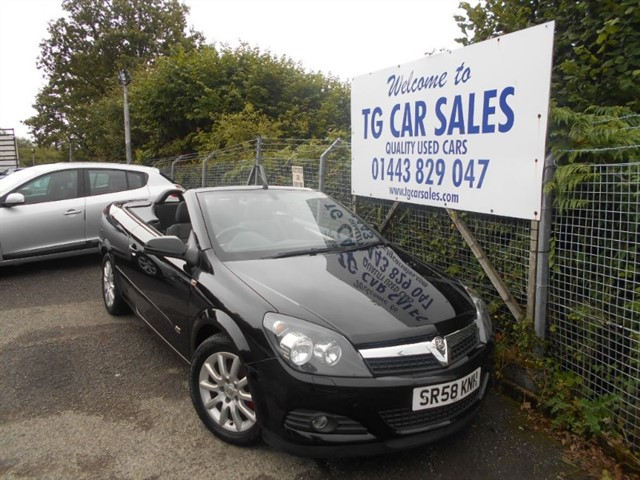 used Vauxhall Astra Twin Top Sport in blackwood-gwent