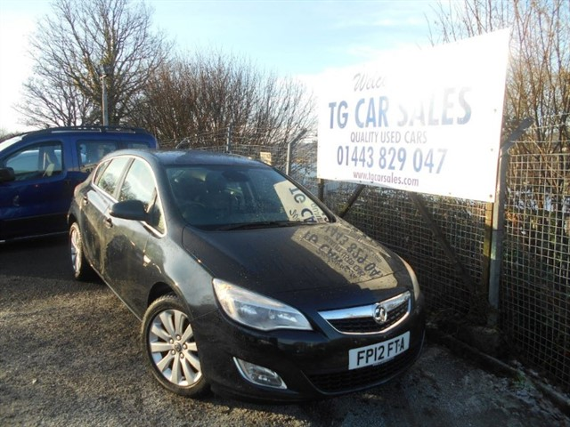 used Vauxhall Astra Elite CDTI in blackwood-gwent