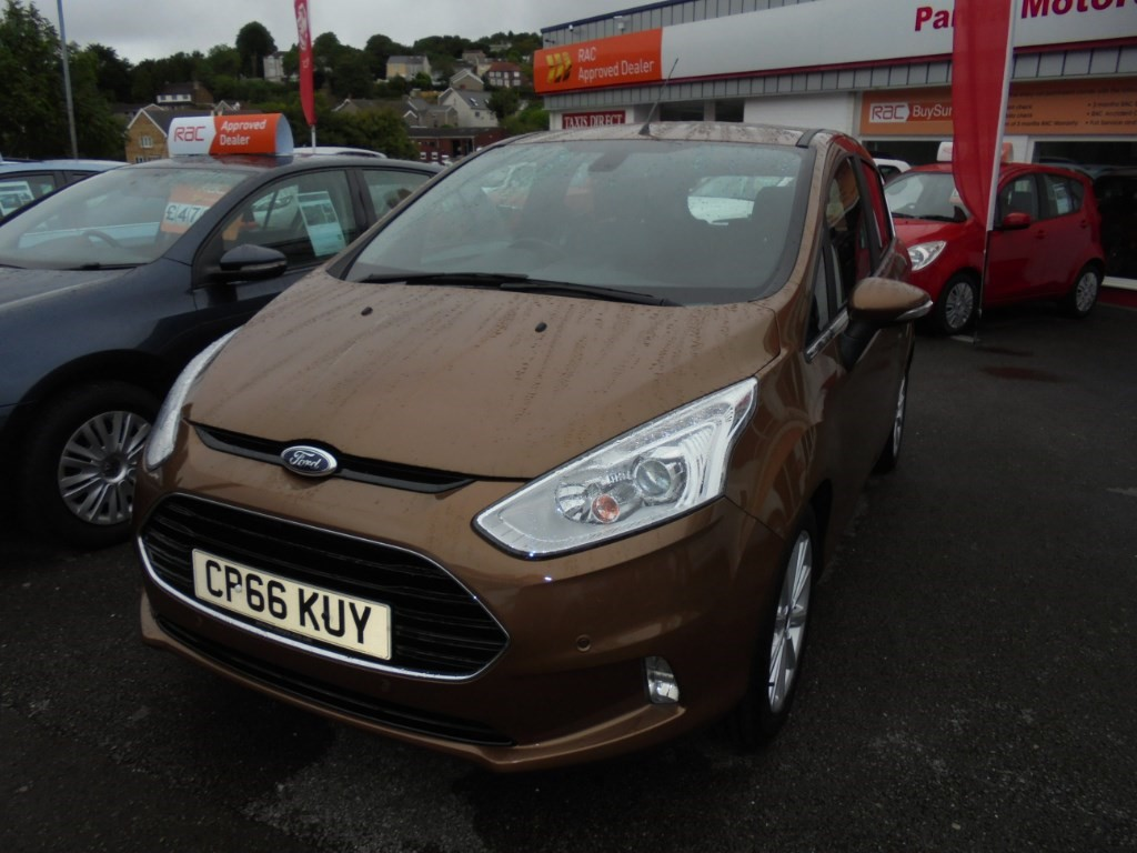 used Ford B-Max TITANIUM in in-swansea