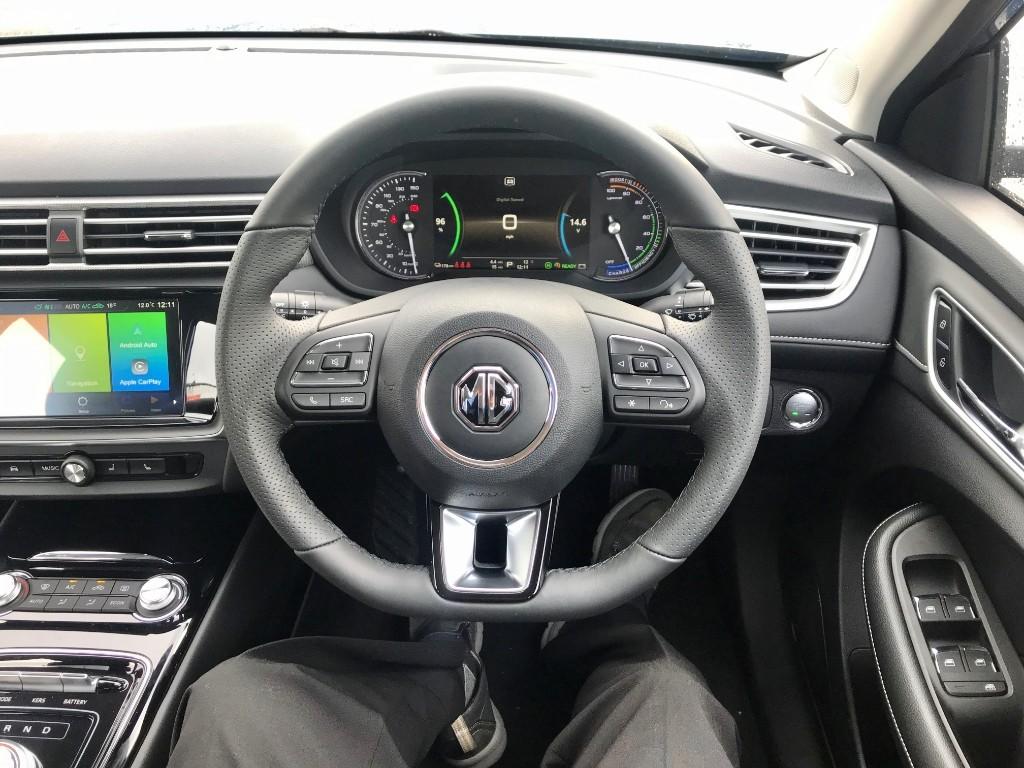 MG Motor UK MG5