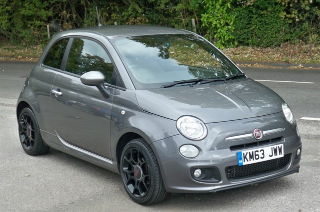 Fiat 500 in Tadworth Surrey