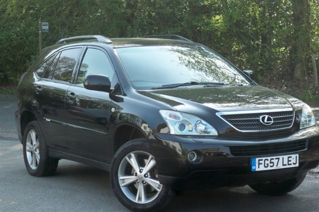 Lexus RX 400h in Tadworth Surrey