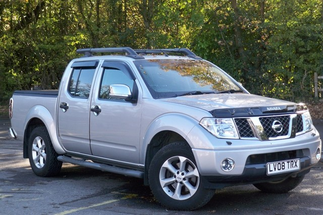 Nissan Navara in Tadworth Surrey