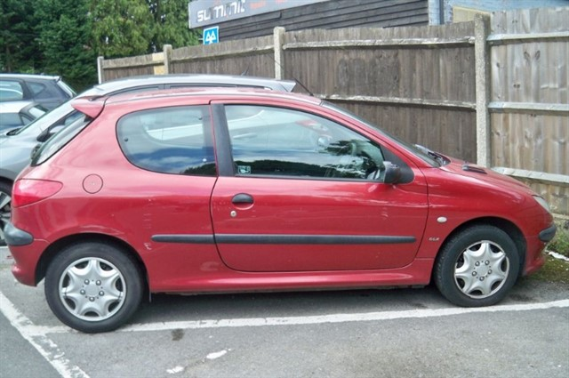 Peugeot 206 in Tadworth Surrey