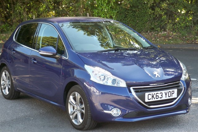 Peugeot 208 in Tadworth Surrey