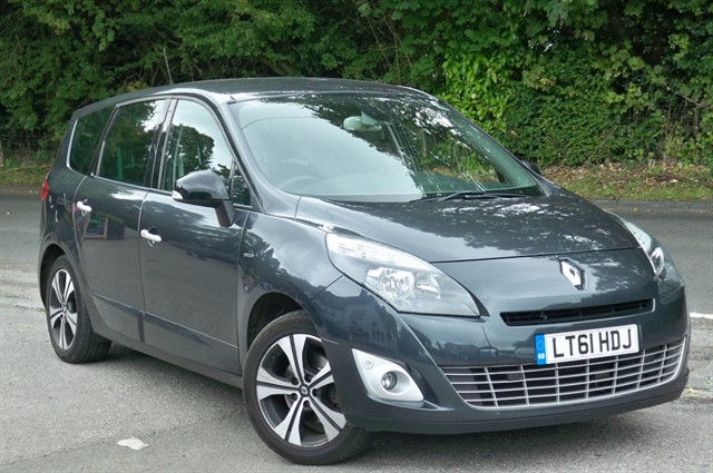 Renault Scenic in Tadworth Surrey