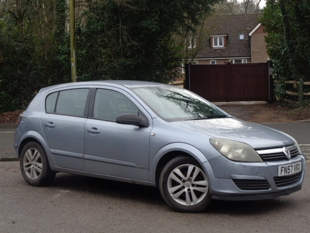 Vauxhall Astra in Tadworth Surrey