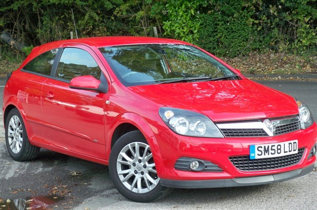 Vauxhall Astra in Tadworth Surrey