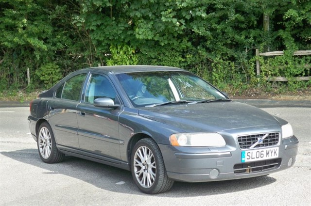 Volvo S60 in Tadworth Surrey