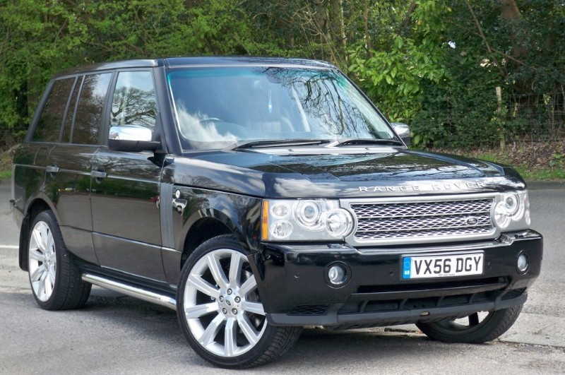 used Land Rover Range Rover TDV8 VOGUE      in surrey