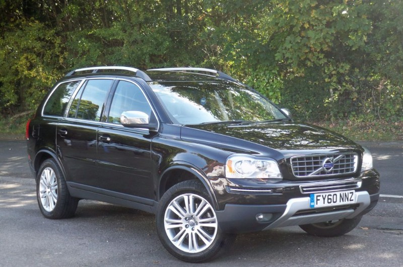 used Volvo XC90 2.4 D5 EXECUTIVE AWD in surrey