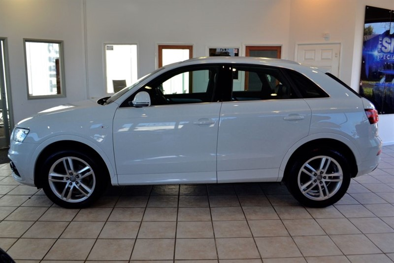 used Audi Q3 2.0 TDI QUATTRO S LINE WITH NAVIGATION & PANORAMIC ROOF in forest-of-dean-gloucestershire