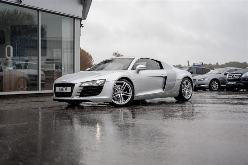 used Audi R8 4.2 QUATTRO COUPE JUST 23000 MILES WITH A FULL SERVICE HISTORY 12 STAMPS MAGNETIC RIDE 2008/08 in forest-of-dean-gloucestershire