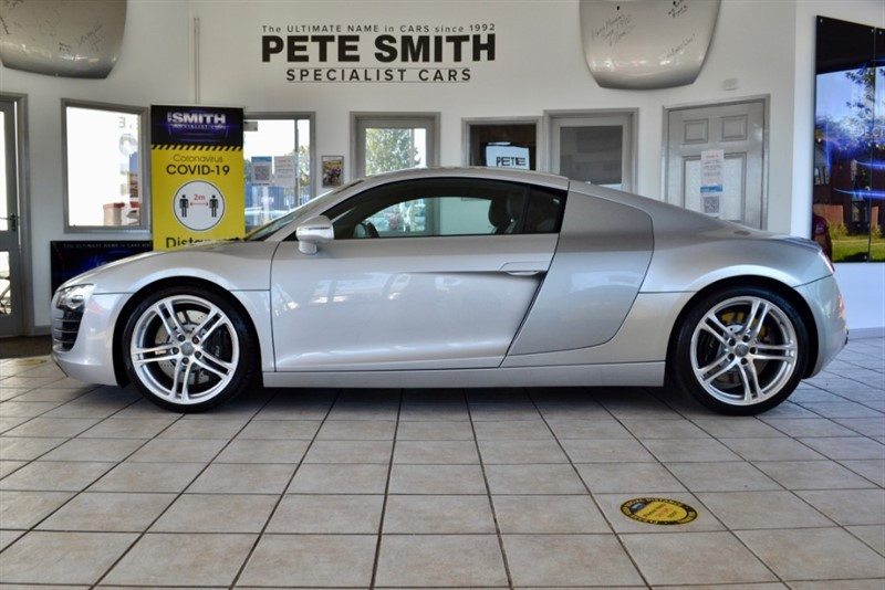 used Audi R8 4.2 QUATTRO COUPE JUST 23000 MILES WITH A FULL AUDI SERVICE HISTORY 12 STAMPS MAGNETIC RIDE 2008/08 in forest-of-dean-gloucestershire