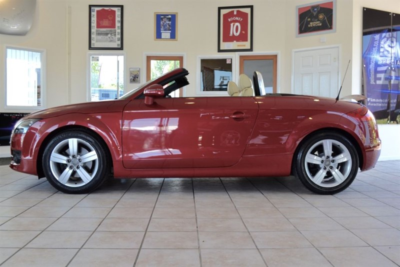 used Audi TT 2.0 TFSI EXCLUSIVE LINE CONVERTIBLE COMPLETE WITH FULL SERVICE HISTORY in forest-of-dean-gloucestershire