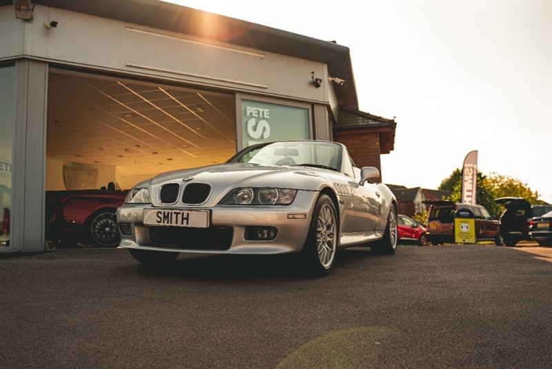 used BMW Z3 2.2 SPORT ROADSTER AUTOMATIC 1 OWNER ONLY 16500 MILES EXCEPTIONAL AND COLLECTIBLE 2002/02 in forest-of-dean-gloucestershire