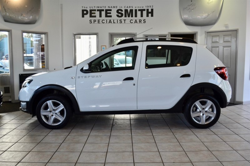 used Dacia Sandero 1.5 DCi STEPWAY LAUREATE 1 OWNER WITH SAT NAV 2013/63 in forest-of-dean-gloucestershire