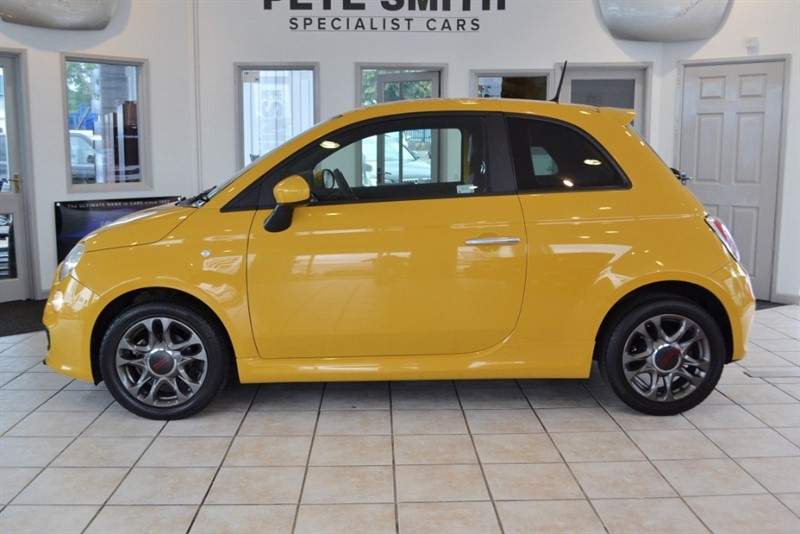 used Fiat 500 1.2 S 3 DOOR HATCHBACK COMPLETE WITH FULL FIAT SERVICE HISTORY 2015/15 in forest-of-dean-gloucestershire