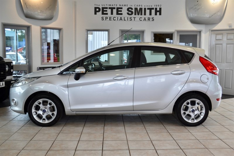 used Ford Fiesta 1.4 ZETEC TDCI 5 DOOR HATCHBACK WITH FULL FORD SERVICE HISTORY 2012/62 in forest-of-dean-gloucestershire