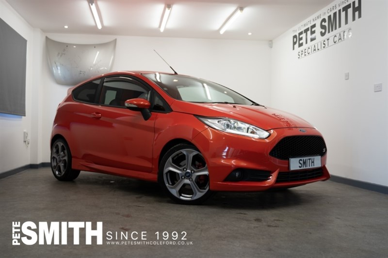 used Ford Fiesta 1.6 ST-2 3 DOOR SPECIAL MOLTEN ORANGE PAINT 180BHP 2013/63 in forest-of-dean-gloucestershire