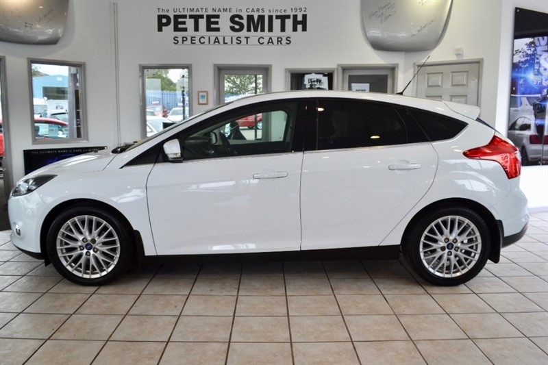 used Ford Focus 1.0 Ecoboost ZETEC 5 DOOR 2012/12 in forest-of-dean-gloucestershire