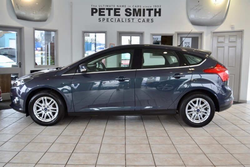 used Ford Focus 1.6 TITANIUM  5 DOOR FULL FORD SERVICE HISTORY 2013/13 in forest-of-dean-gloucestershire