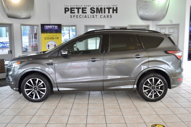 used Ford Kuga 2.O TDCi ST-LINE  5 DOOR MAGNETIC GREY ONLY 14000 MILES GREAT SPEC 2017/17 in forest-of-dean-gloucestershire