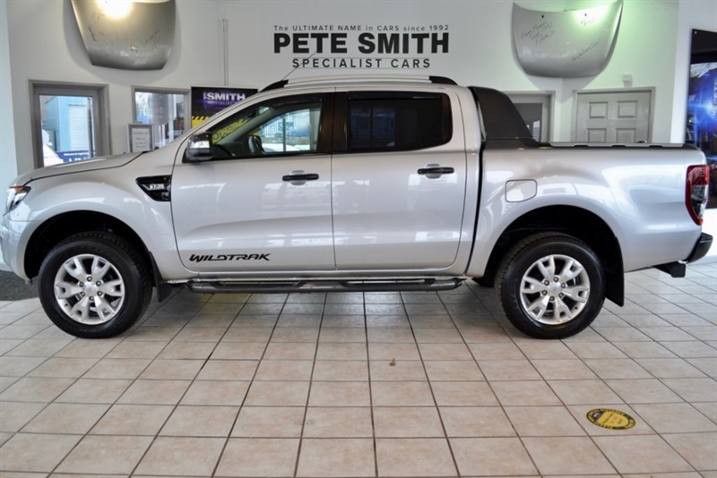 used Ford Ranger 3.2 WILDTRAK 4X4 DCB TDCI AUTO NO VAT TO PAY BIG SAVING FULL SERVICE HISTORY 2015/15 in forest-of-dean-gloucestershire